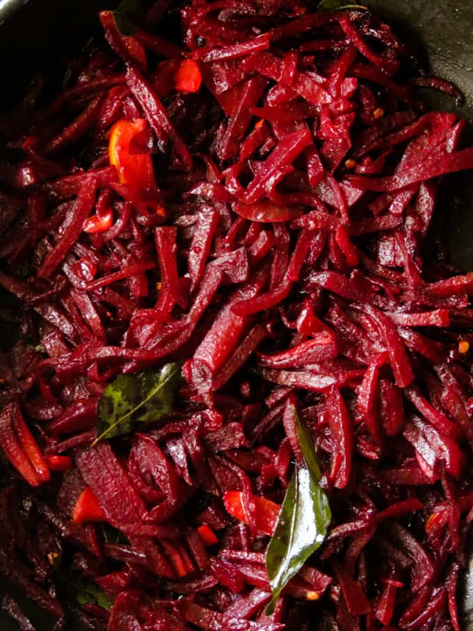 Easy Beetroot curry in 20 minutes with minimum ingredients.As Sri Lankan recipe also fits into vegan, vegetarian, glutenfree and low carb diet.