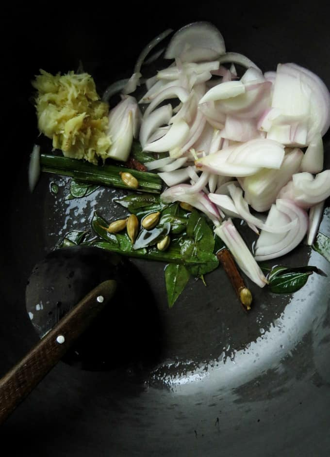 tempering ingredients for sri lankan chicken curry.