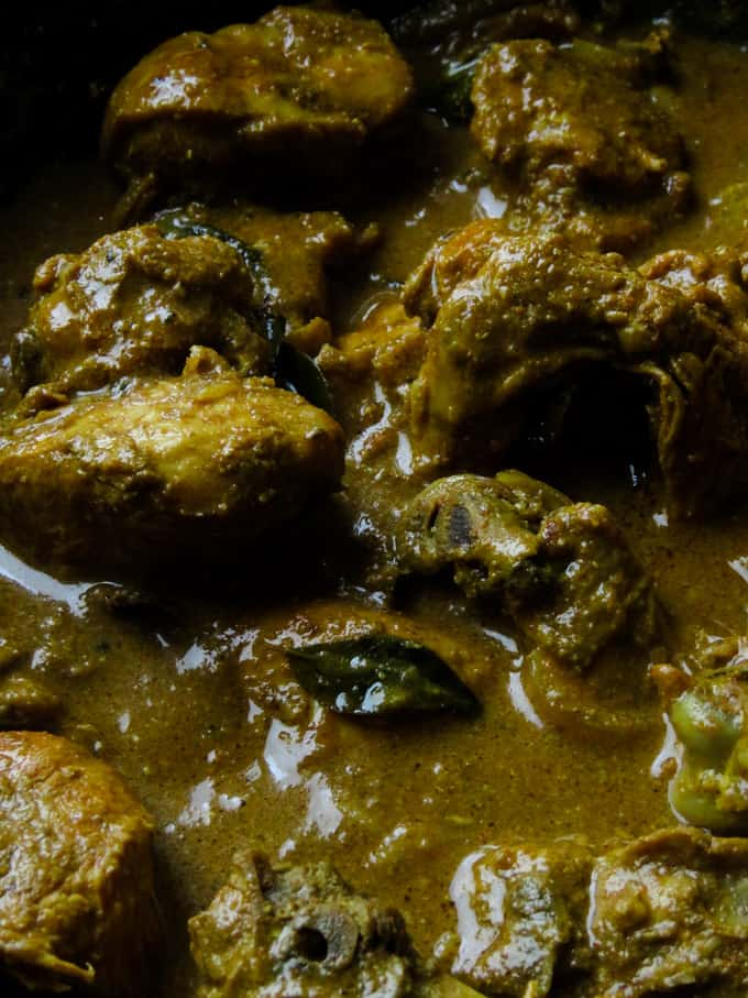 thick and tasty chicken curry. recipe on islandsmile.org