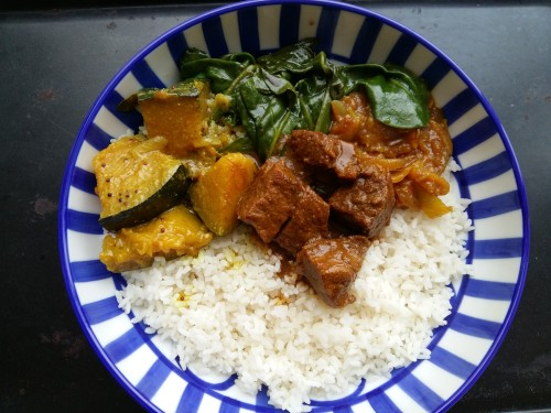 srilankan lunch bowl . find recipe on www.islandsmile.org