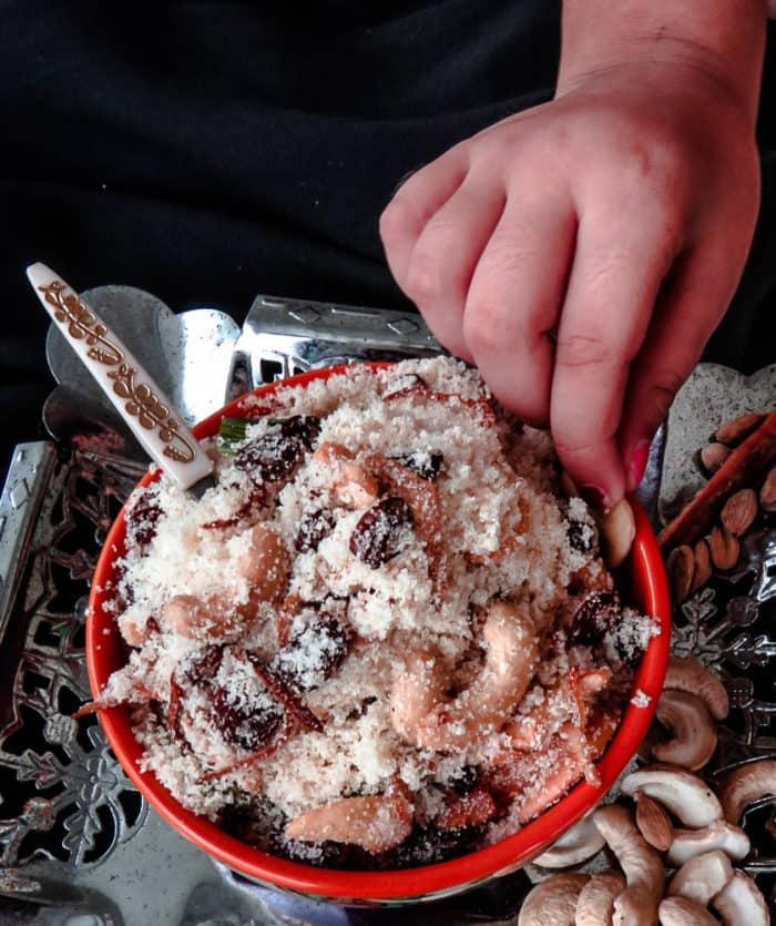 Sweet semolina with cashews and raisins( authentic srilankan seeni maa)-510