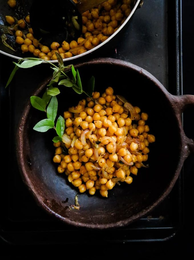 A delicious, healthy high protein Sri Lankan chickpea breakfast. use canned or cooked chickpeas(garbanzo beans)to make a breakfast bowl. #chickpea #vegan #vegetarian #srilankan #dry #garbanzo #snack