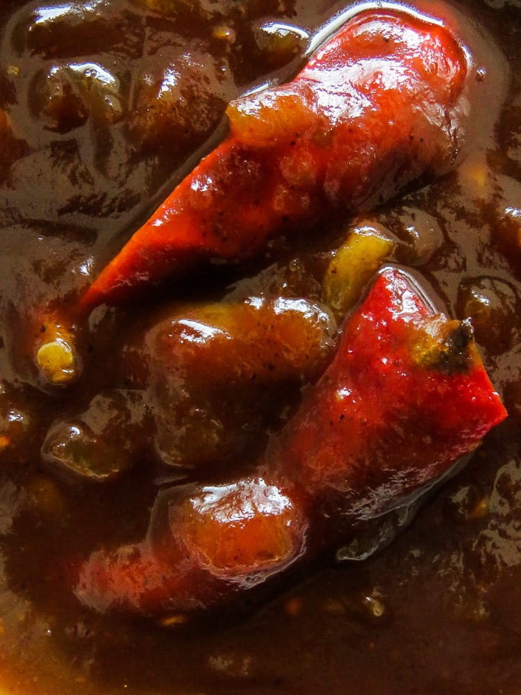 Barbecue sauce-Tamarind, red chillies, Garlic, makes this lip-smacking Barbecue sauce. It's hot, sweet with the right amount of sourness. Try this recipe at your next Barbecue or picnic.