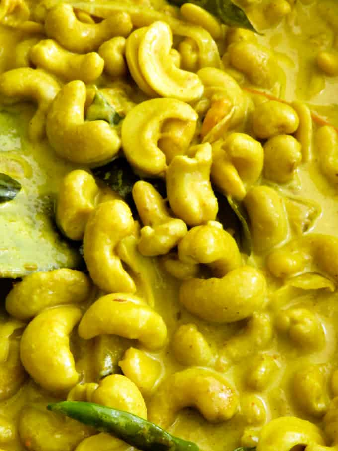 Sri lankan kaju curry(cashew curry).