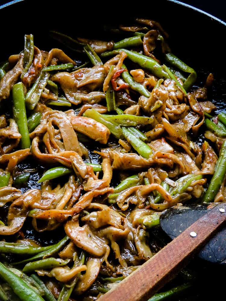 Oyster Mushroom and green bean stir-fry-islandsmile.org
