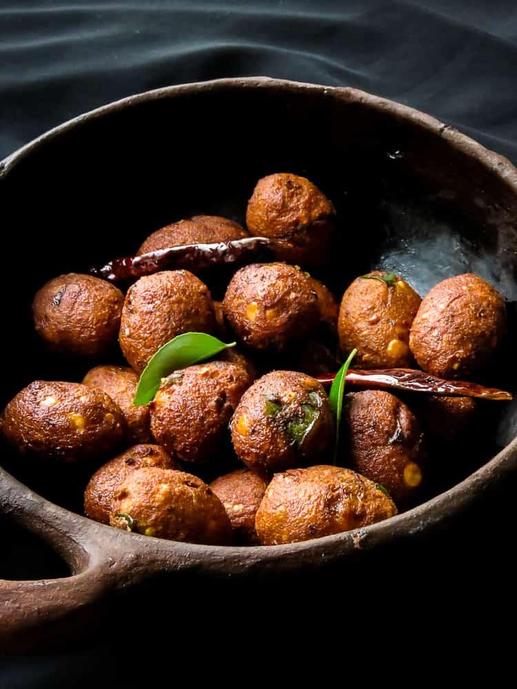 lentil fritters(sri lankan ulundu vadai)-vegan,vegetarian-islandsmile.org