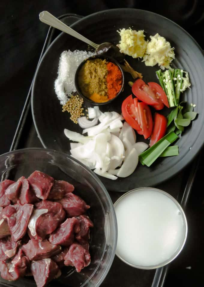 ingredients to make the beef curry.