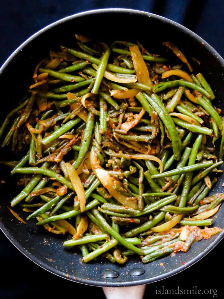 Sri Lankan chilli green bean fry(bonchi thel dala)-islandsmile.org