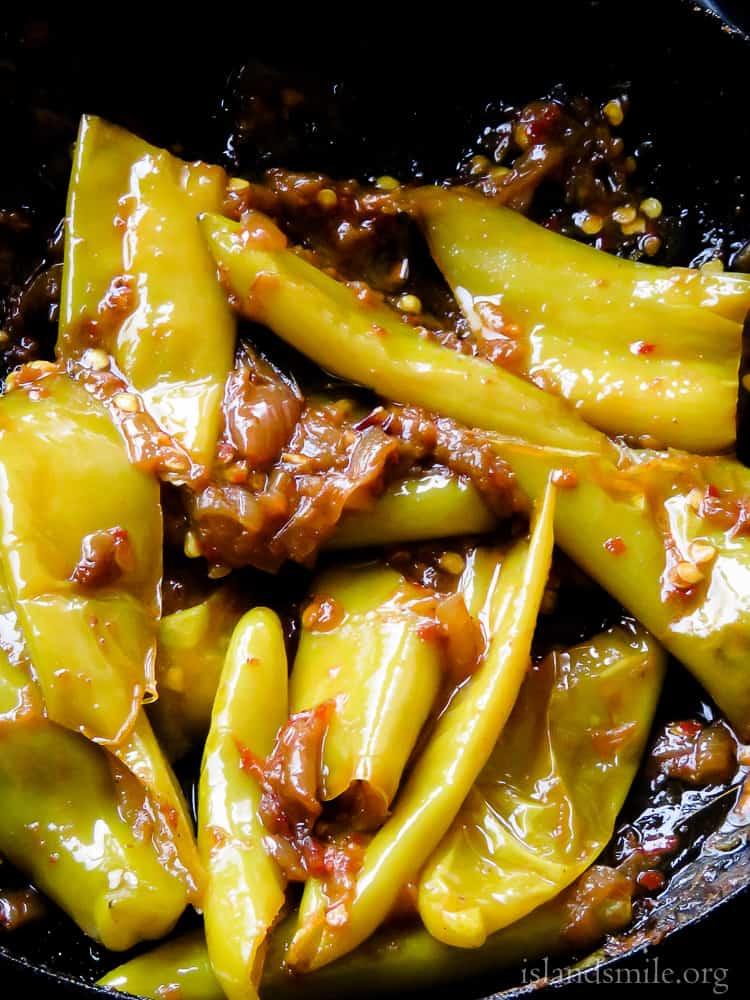 Spicy Sri lankan capsicum stir-fry(malu miris, banana peppers)-islandsmile.org