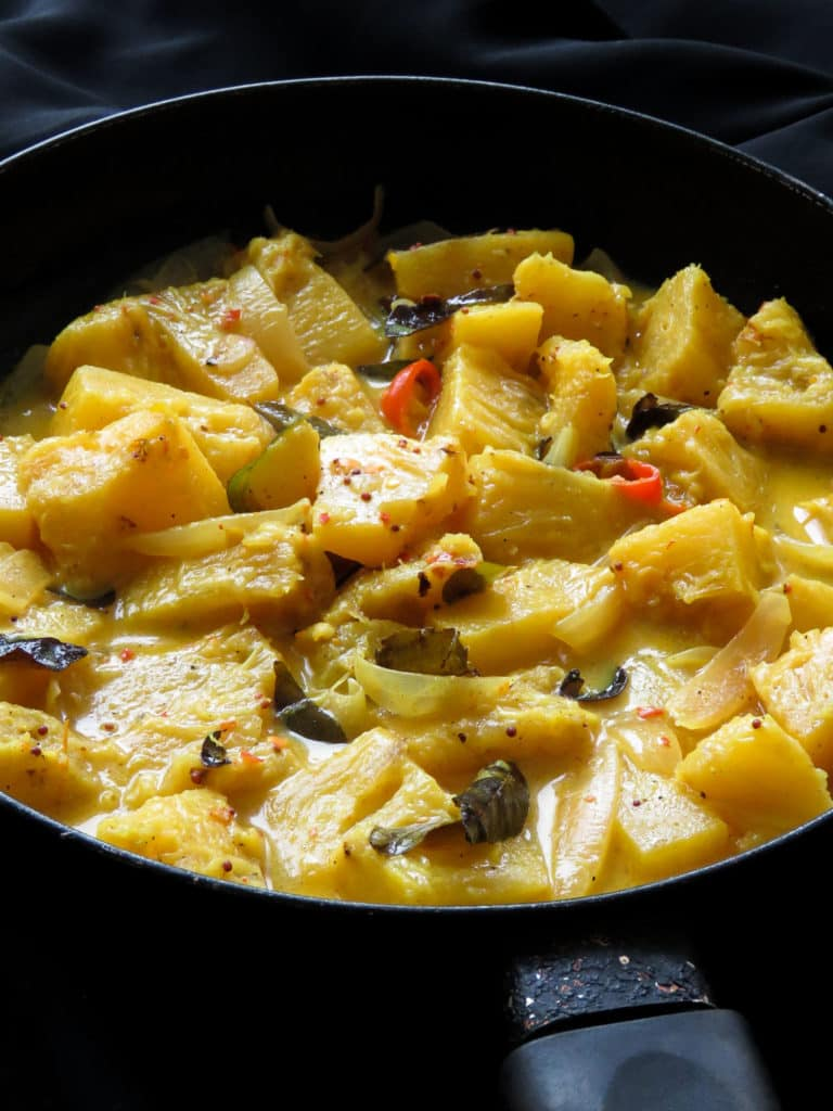 Sri Lankan-mildly spiced pineapple curry. A coconut milk Pineapple curry cooked in 30 minutes. The fruit curry fits into all types of diets as well, from vegan, vegetarian, gluten-free to low-carb.