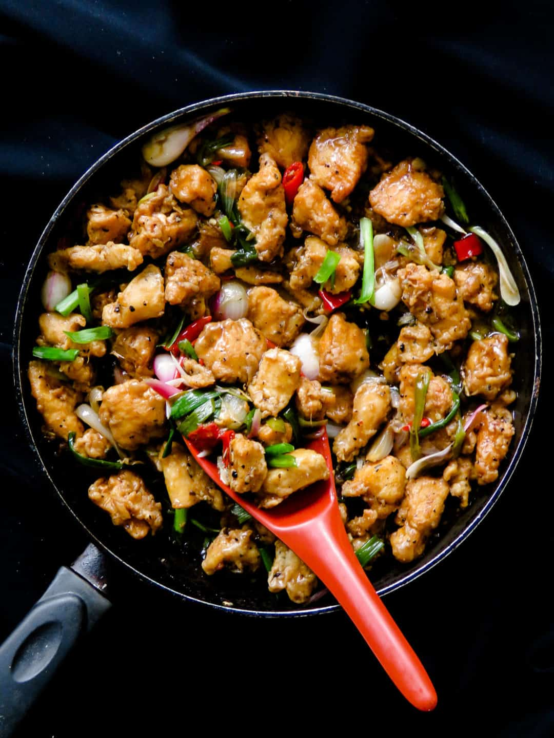 Chinese chicken Manchurian-do something different for your weekend dinner, make a large pan of this delicious (restaurant-style) indo-Chinese dish.  There's no need to make multiple dishes, just a bowl of rice or noodles is all you need for an easy meal for the family. #chinese #fastfood #Indian #meal #skillet #appetizer #chinese
