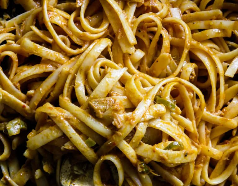 Tuna pasta dish (Sri Lankan style, dairy-free). A one-pot, creamy pasta with tuna dish made without cream or cheese.