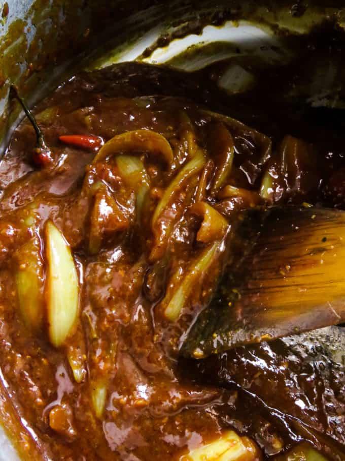 Sri Lankan Crab Curry In Chilli Garlic Sauce Thick Gravy Island Smile