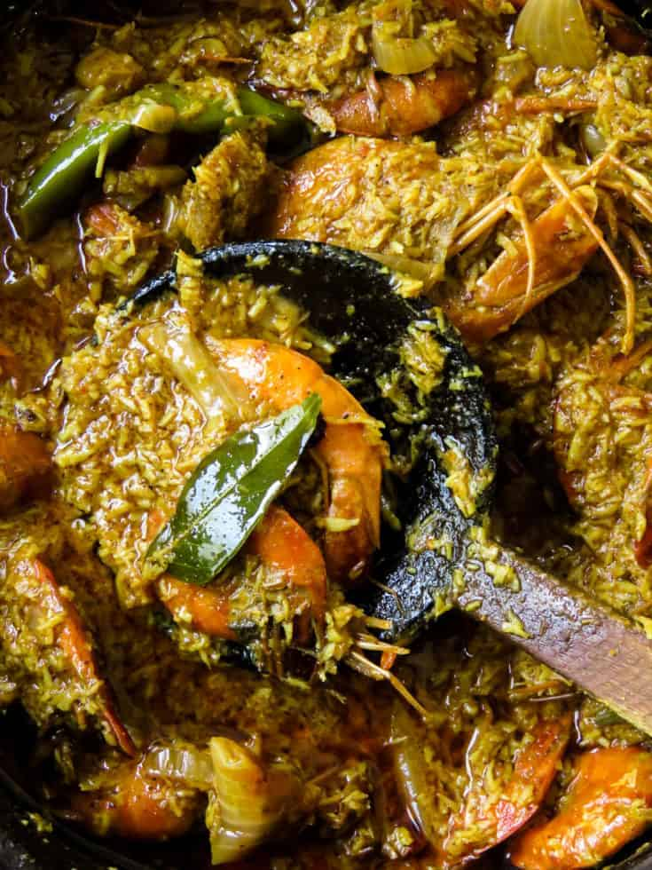 Sri Lankan coconut-shrimp(isso)curry.