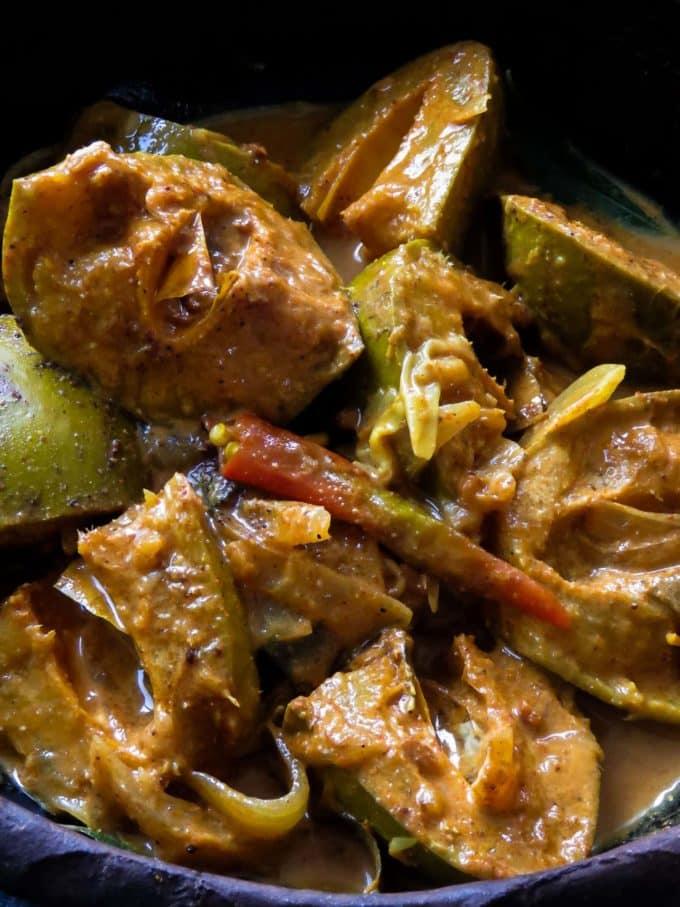sinhalese mango curry(amba maluwa).