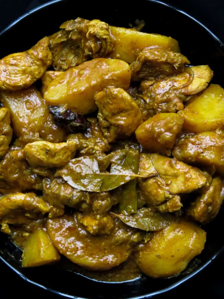 Sri Lankan chicken and potato curry Making this delicious one-pot dish is so easy, once done all you need is a few parathas, naans or chapatis to set your dinner. Great for no-fuss, weekday family dinners.