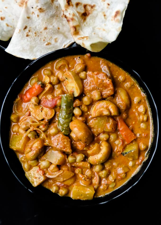 Mushroom, pumpkin, and chickpea. an easy vegetarian dish for a meatless meal you can add to your weekly menu. #vegetarian#vegan #glutenfree #lowcarb #meals #dinner #lunch