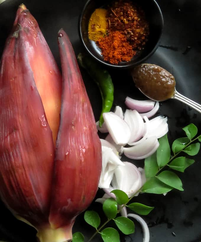 ingredients to make the banana flower curry. kesel muwa.