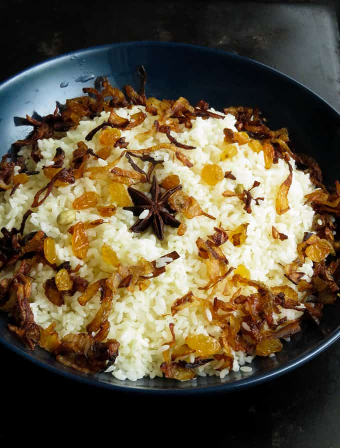 Turn any type of rice into a special dish by cooking this fragrant ghee rice. Whether it's basmati or your regular white rice with a few aromatic spices you can have a dish of festive rice for any occasion.
