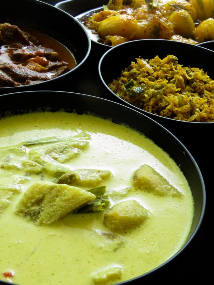 Sri Lankan meal menu plan 7. For those of you who like to try a different kind of Sri Lankan menu.  Rice, green gram(mung)-coconut mallung, a spicy beef curry, ash plantain white curry and a sweet and spicy mango curry completes my menu number 7.