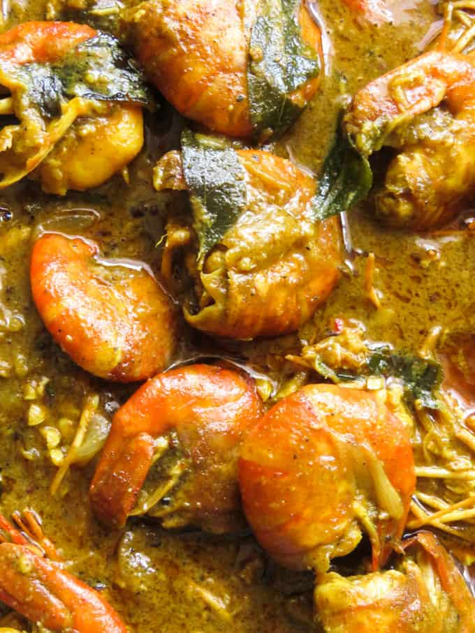 Sri Lankan Jaffna curry powder prawn curry. You can never have enough of this pescetarian curry. It's creamy, spicy and has a gravy that begs to be mopped off with a slice of bread.