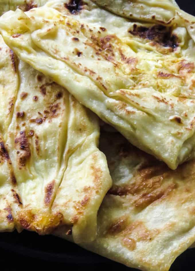 How to make Sri Lankan egg roti/paratha. A step-by-step guide on how to make egg paratha. A must-know roti(paratha)recipe if you want to make some of the well known Sri Lankan street food and snacks at home.