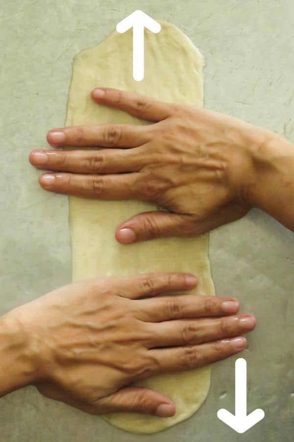 how to stretch the dough for vegetable roti.