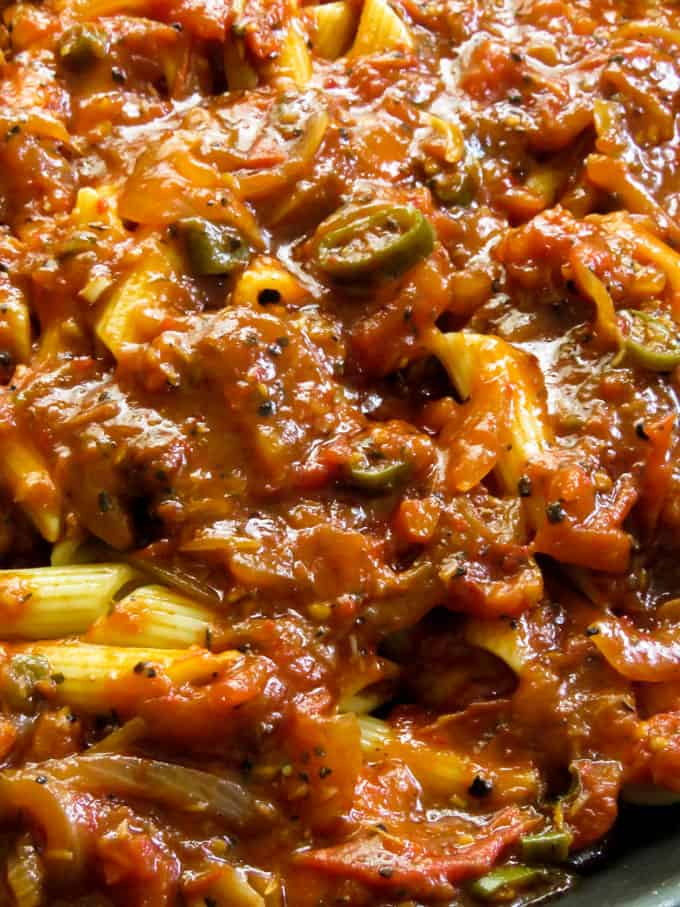 penne all arrabiata. recipe on islandsmile.org