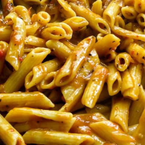 spicy penne pasta. islandsmile.org