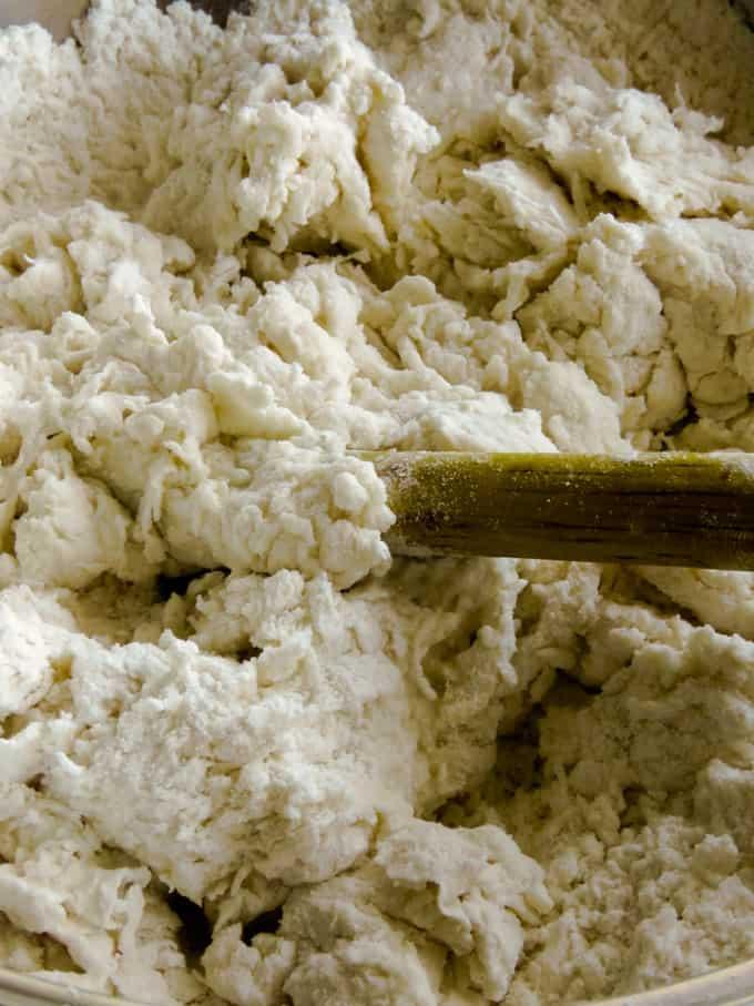 roti flour mixture for the pol roti.