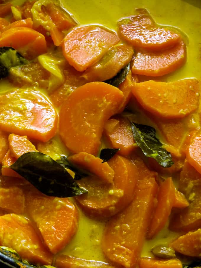Sri Lankan carrot coconut milk curry(vegan, vegetarian).