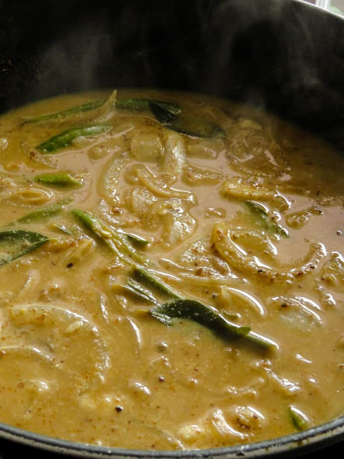 thick gravy for brinjal curry.