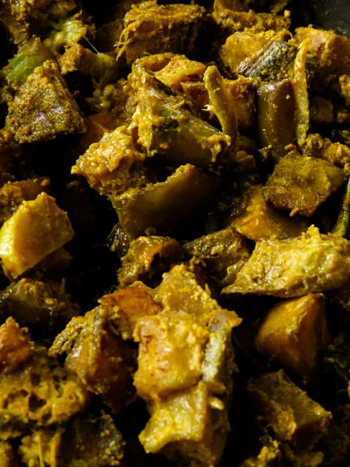 Sri Lankan kaliya curry(cooked ash plantain-brinjal curry).