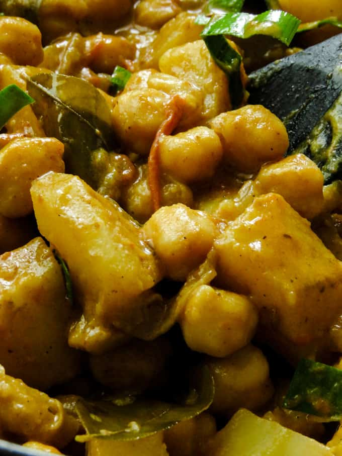 chickpea and potato curry done.