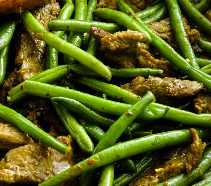 beef stir fry with green beans image.