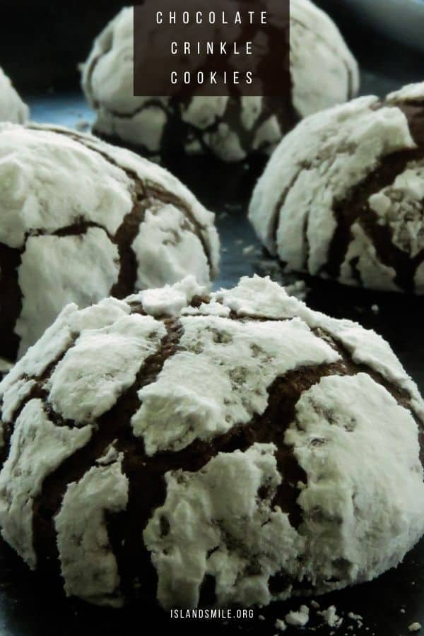 Made with cocoa powder and basic cookie ingredients and coated with icing sugar, you can bake these chocolate crinkle cookies for any festive season(Christmas, Ramadan, Sinhalese and Tamil new year).