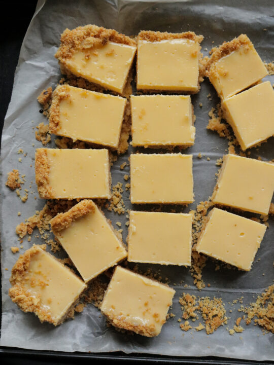 bars of lemon made with condensed milk