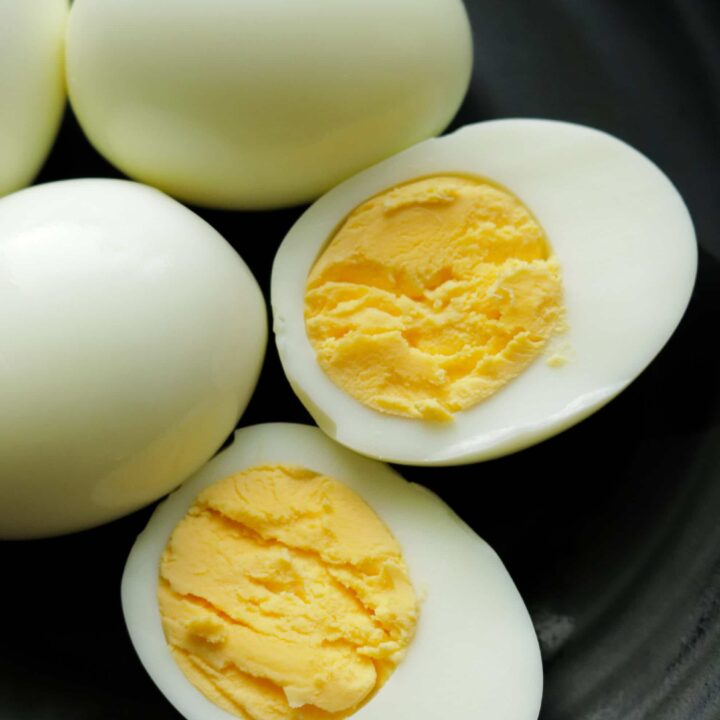 perfect hard boiled air fryer eggs cut in two to serve